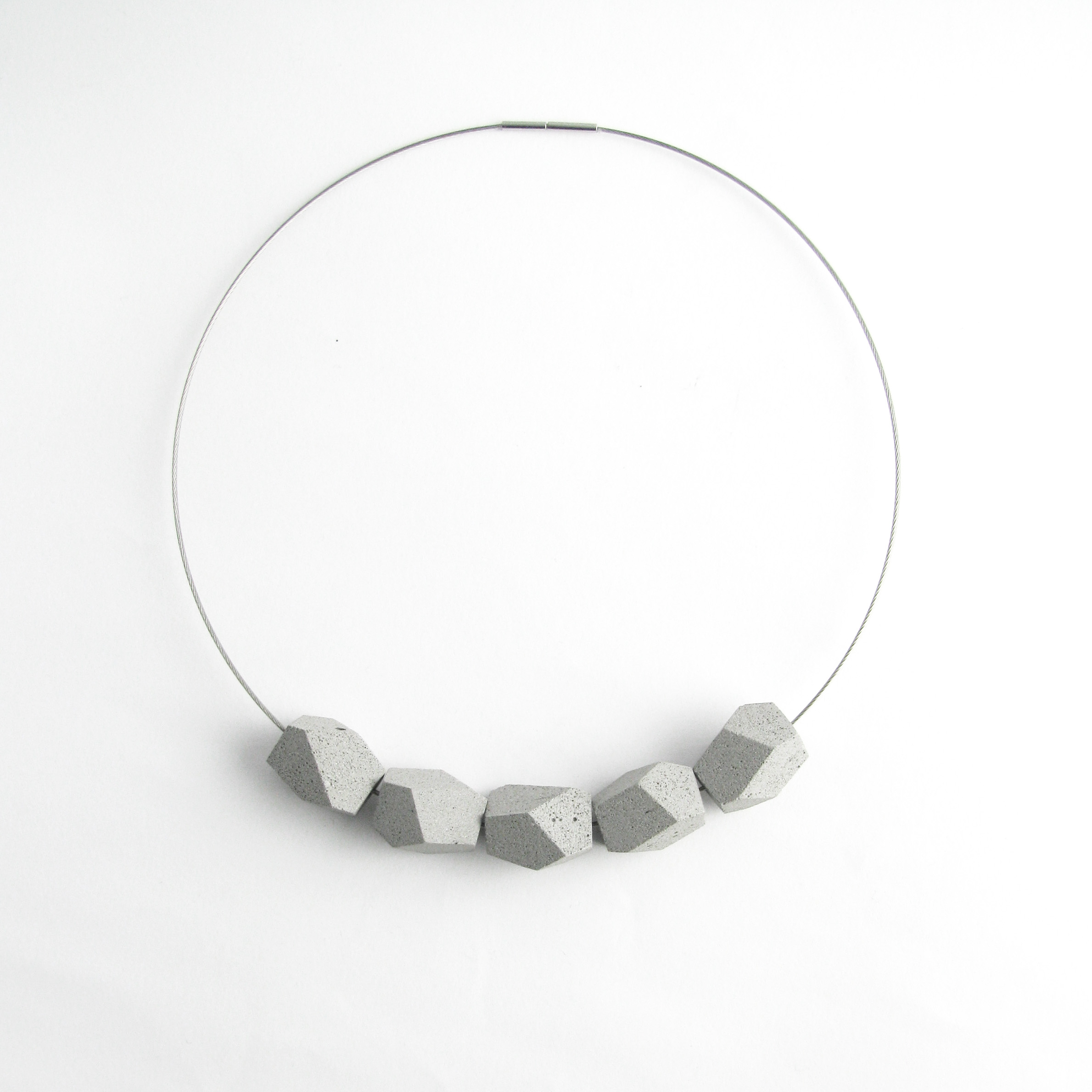Concrete Collier Poly 5