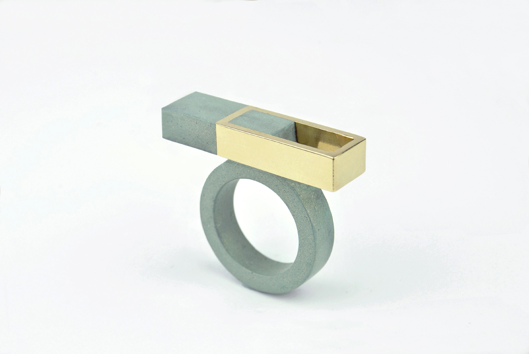Balanced Asymmetries Ring - Lunante
