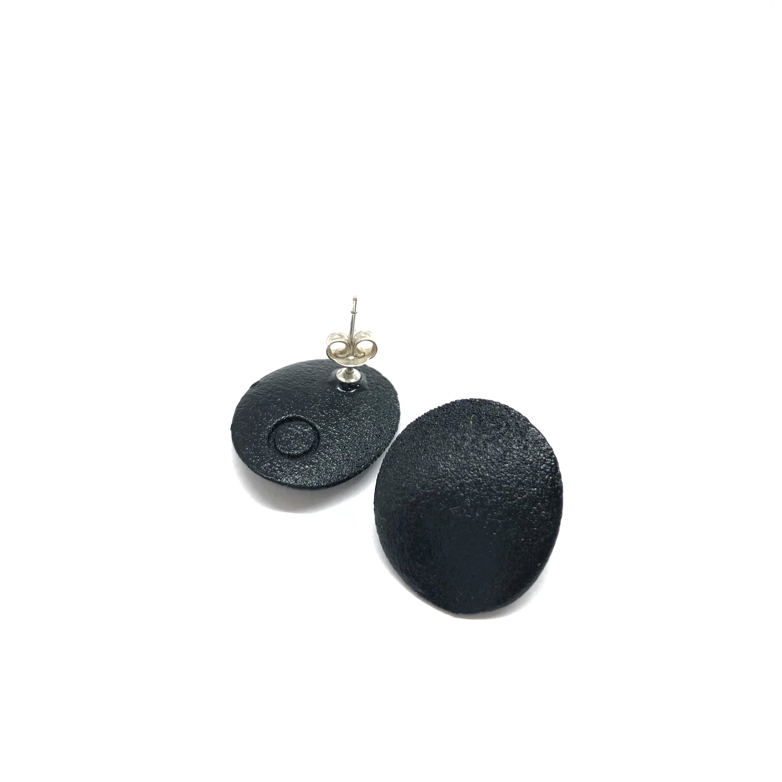 Minimal earrings Black with silver 925