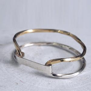 Twist Collection _ Unisex Bangle Bracelet gold